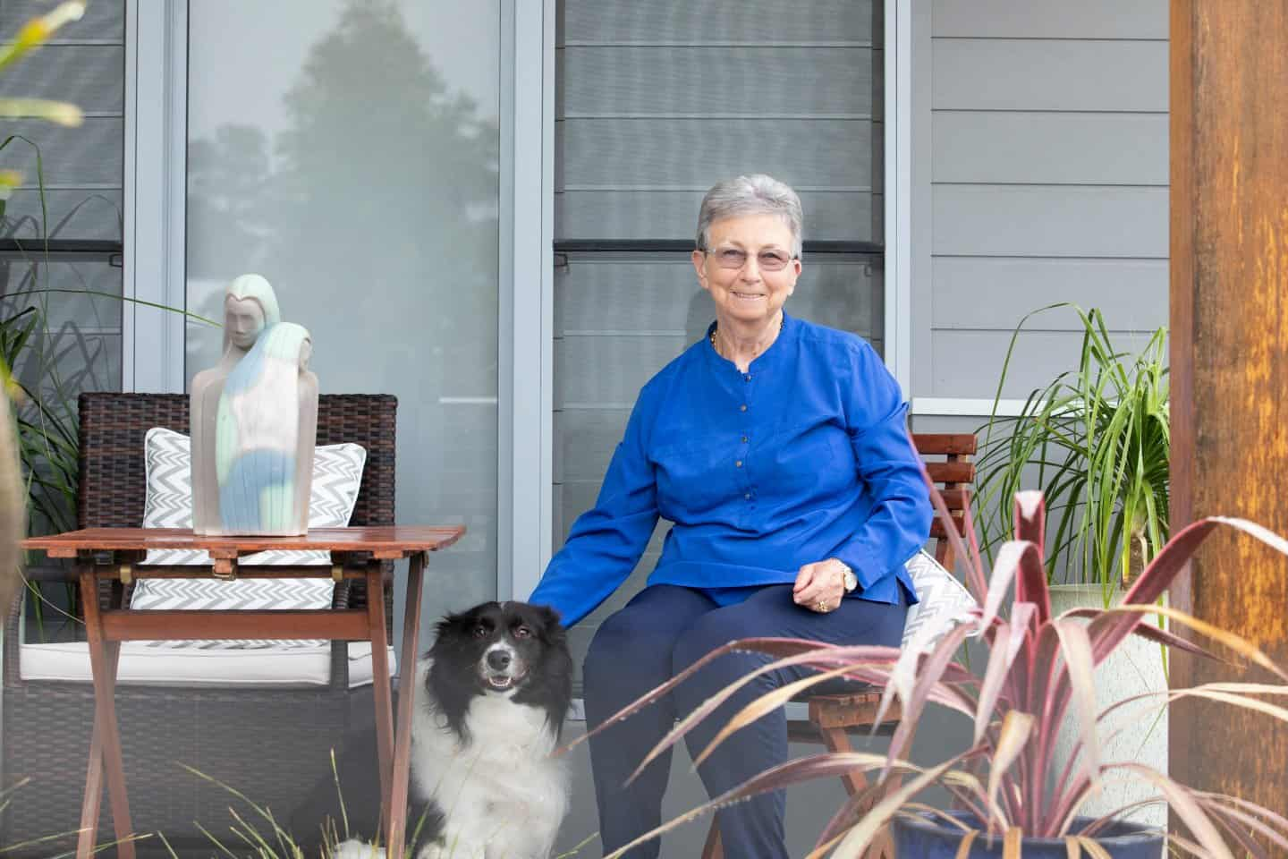image of Gayle Copeland, owner of Home Funders Australia, with her dog